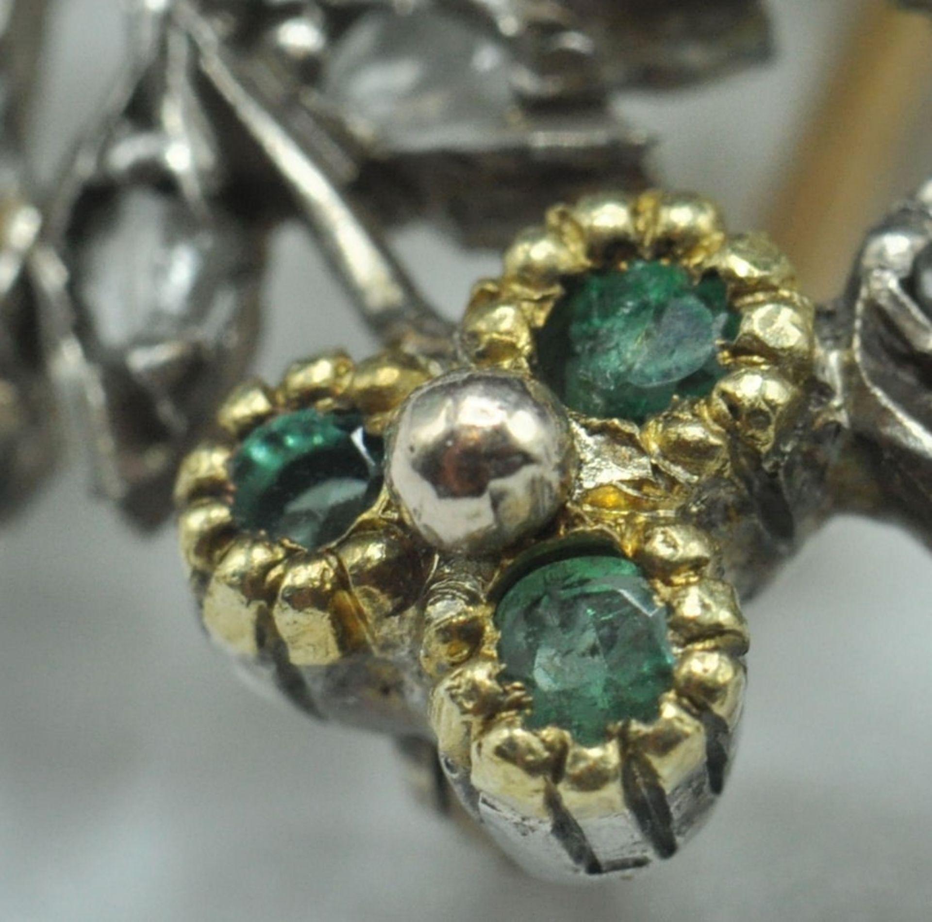 18ct White & Yellow Gold Emerald & Diamond Jardiniere Brooch - Image 6 of 9