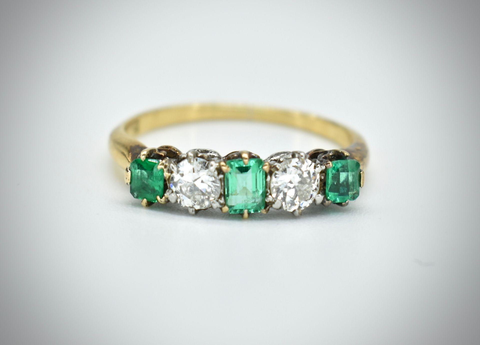 18ct Gold Emerald & Diamond Five Stone Ring - Image 6 of 7