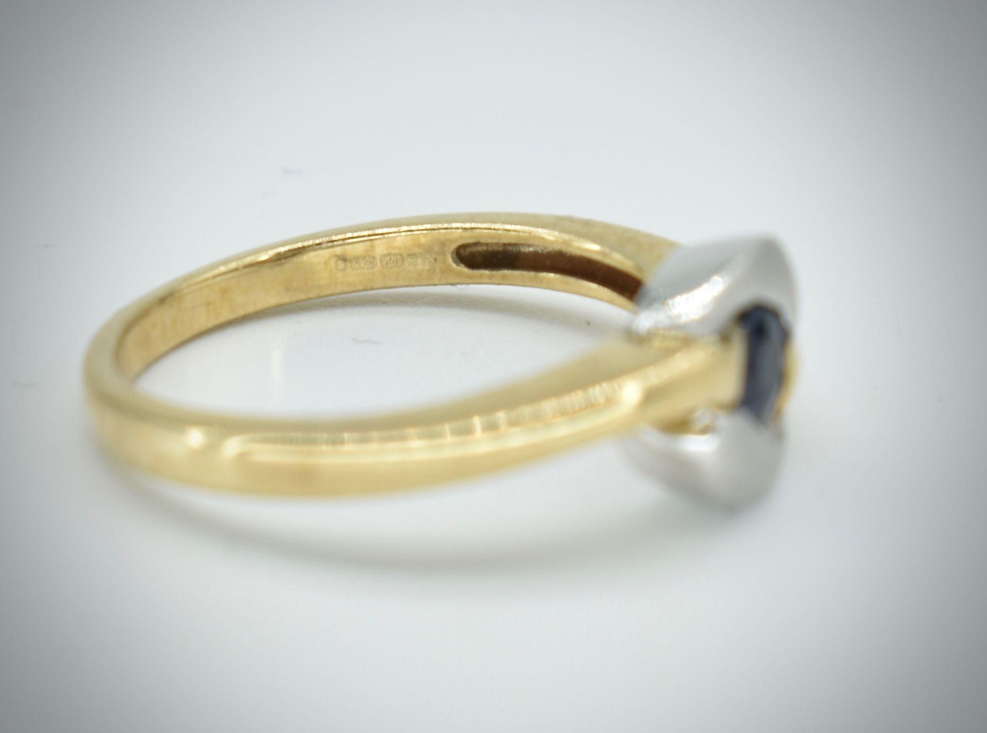 9ct Gold & Sapphire Ring - Image 3 of 5