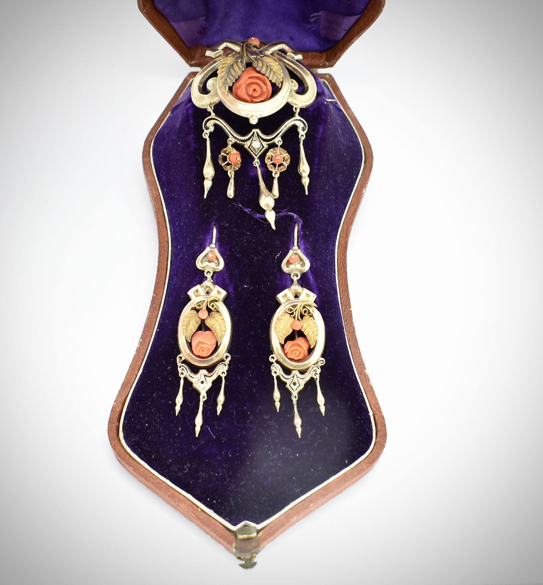 19th Century Victorian Gold & Coral Earring & Brooch Parure - Image 2 of 7