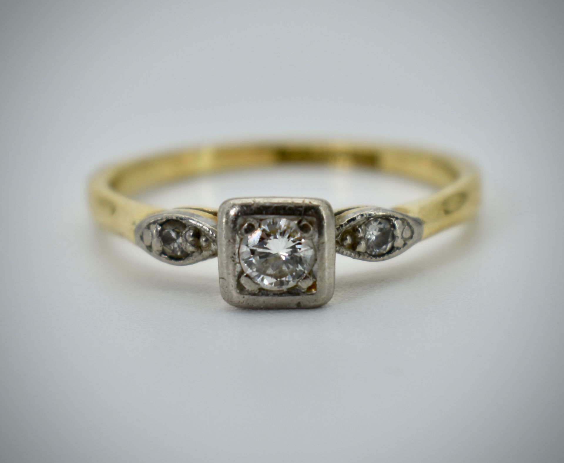 18ct Gold Platinum & Diamond Three Stone Ring