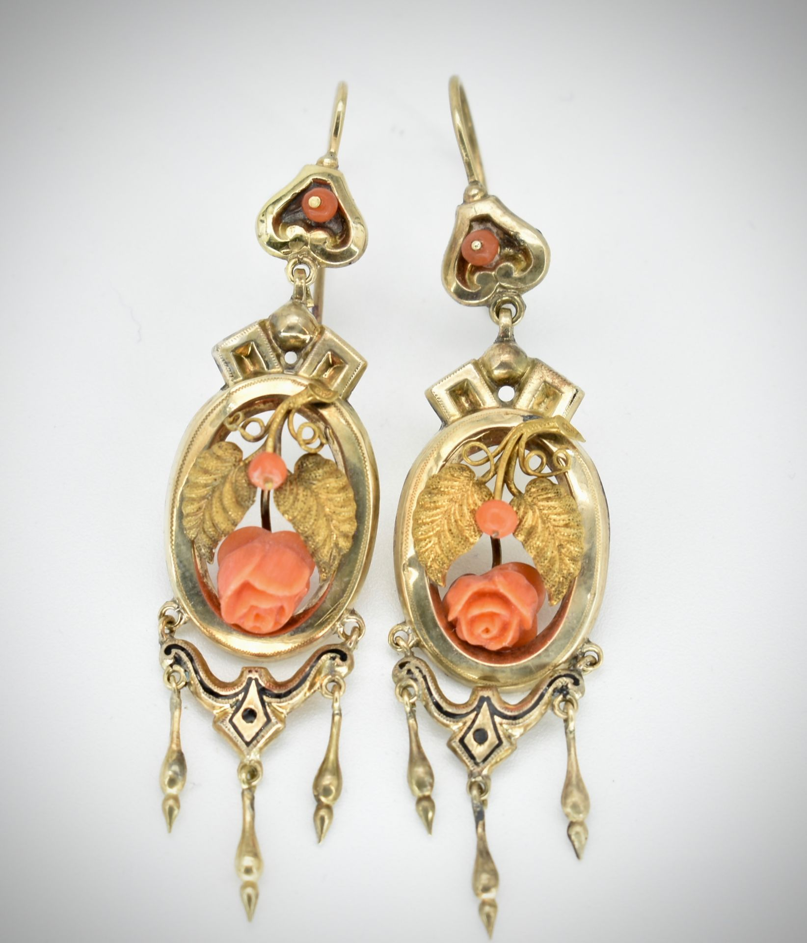 19th Century Victorian Gold & Coral Earring & Brooch Parure - Image 3 of 7