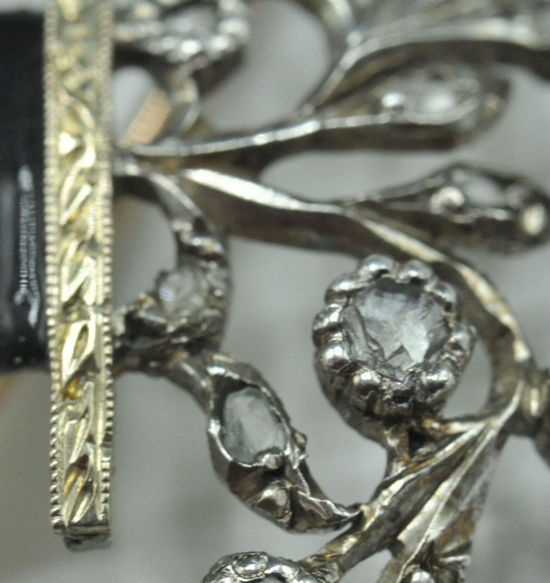 18ct White & Yellow Gold Emerald & Diamond Jardiniere Brooch - Image 4 of 9