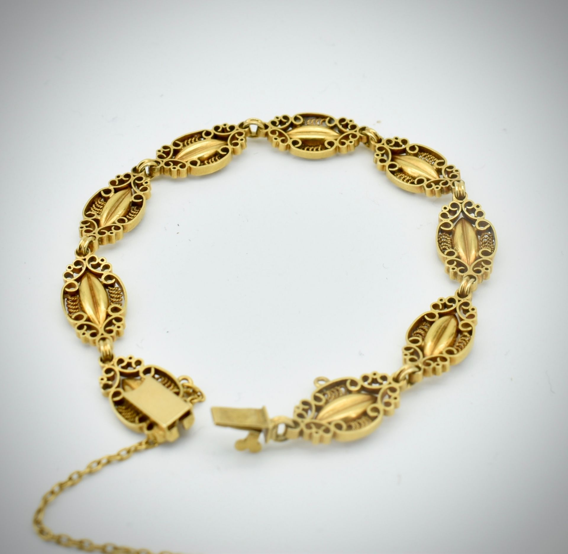 French 18ct Gold Art Nouveau Bracelet. - Image 6 of 6