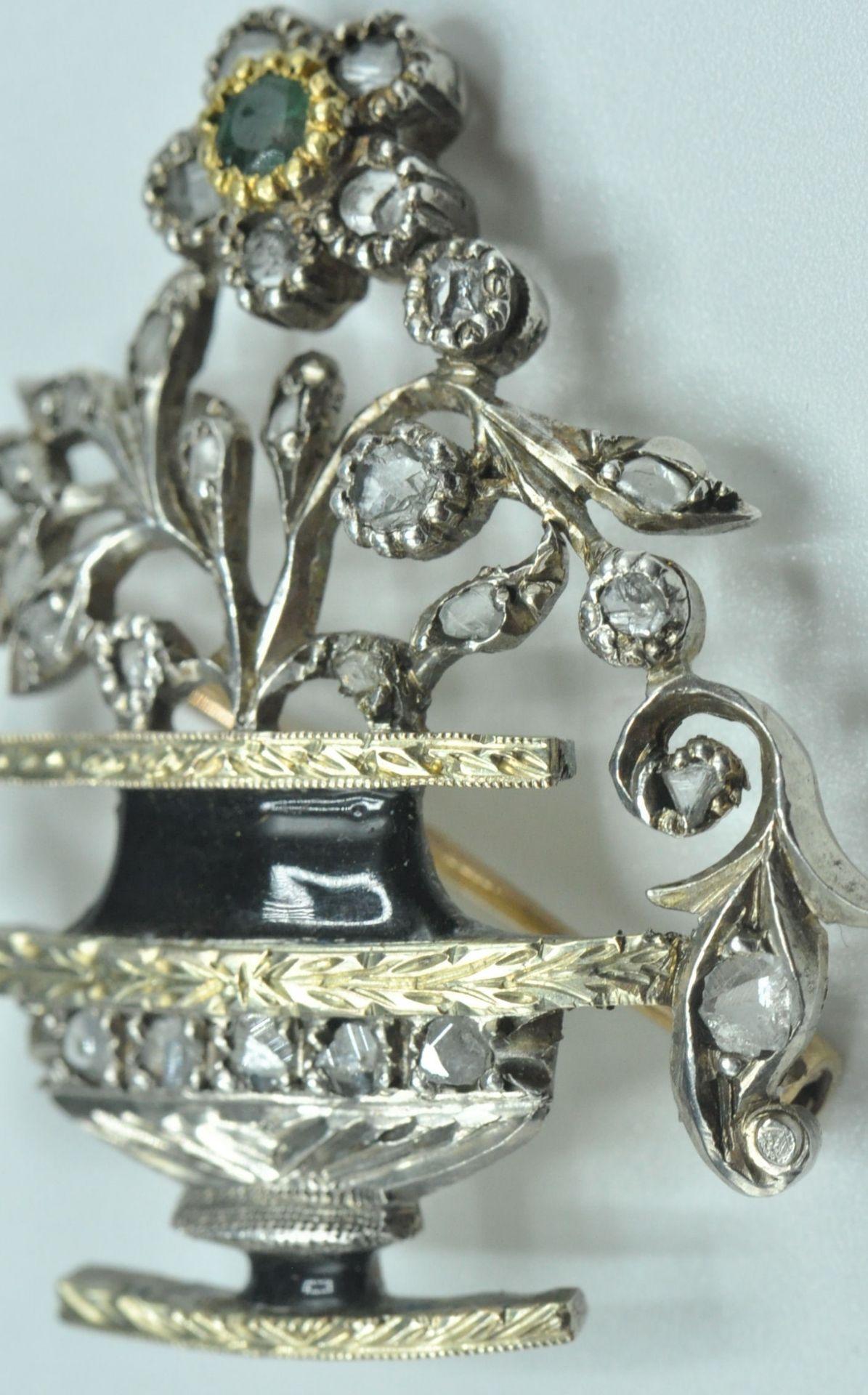 18ct White & Yellow Gold Emerald & Diamond Jardiniere Brooch - Image 2 of 9