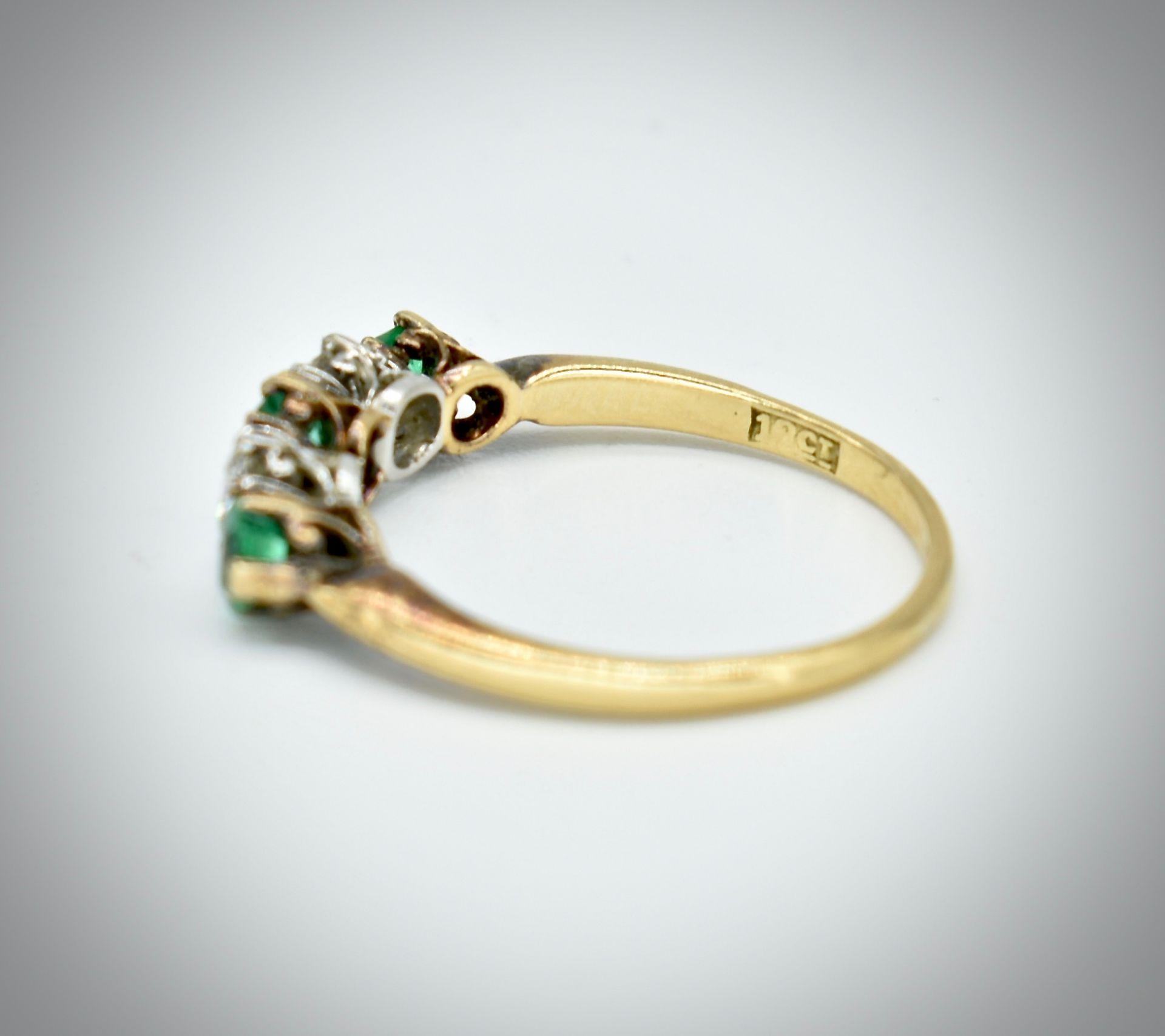 18ct Gold Emerald & Diamond Five Stone Ring - Image 3 of 7