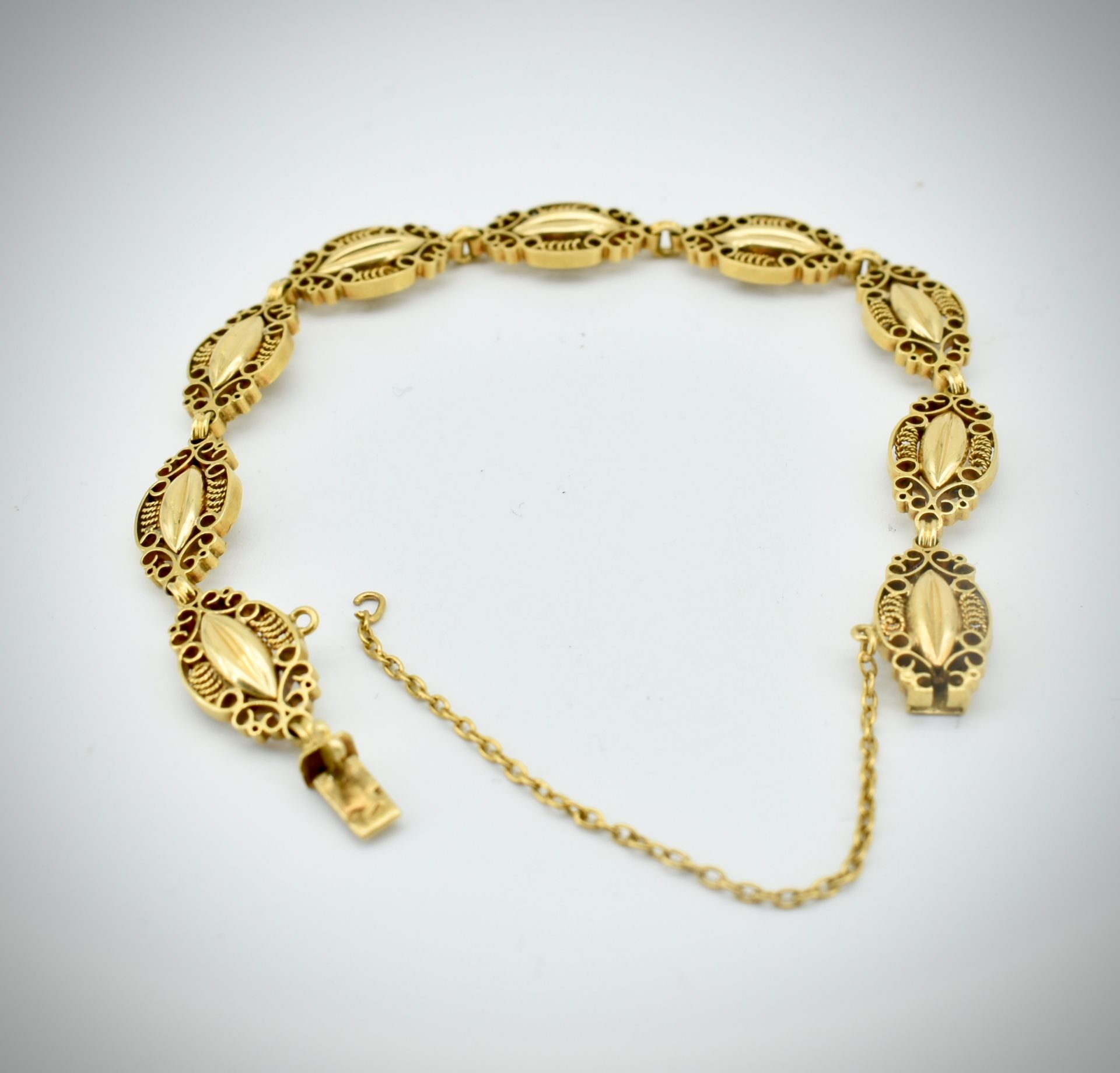 French 18ct Gold Art Nouveau Bracelet. - Image 5 of 6