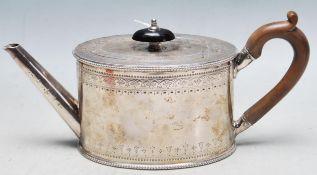 VICTORIAN ROBERT HENNELL I SILVER TEA POT