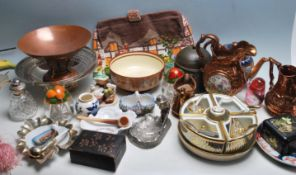 ASSORTED COLLECTION OF VINTAGE 20TH CENTURY ITEMS