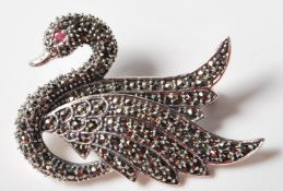 STAMPED .925 SILVER BROOCH IN THE FORM OF A SWAN