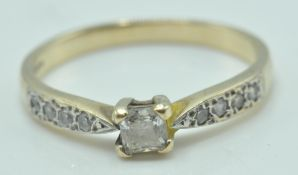 20TH CENTURY 9T GOLD AND WHITE CZ STONE RING