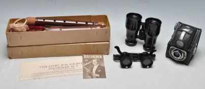 GROUP OF VINTAGE 20TH CENTURY CURIOSITY ITEMS