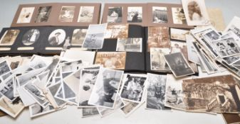 LARGE COLLECTION OF VINTAGE BLACK & WHITE FAMILY P