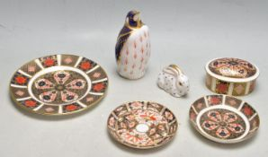 COLLECTION OF ROYAL CROWN DERBY PORCELAIN CERAMIC WARE AND CABINETS WARE.