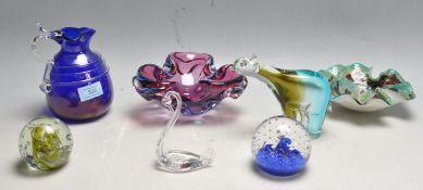COLLECTION OF VINTAGE RETRO 20TH CENTURY STUDIO ART GLASS ITEMS