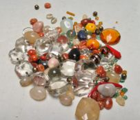 COLLECTION OF VARIOUS AGATE AND GLASS BEADS