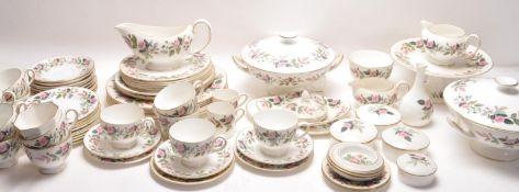 LARGE 20TH CENTURY WEDGEWOOD HATHAWAY ROSE TEA / DINNER SERVICE