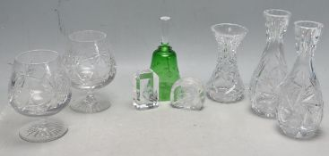 A COLLECTION OF VINTAGE 20TH CENTURY GLASS WARE