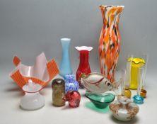 COLLECTION OF VINTAGE RETRO STUDIO ART GLASS.