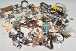 COLLECTION OF LATE 20TH CENTURY VINTAGE COSTUME JEWELLERY
