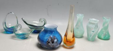 EIGHT PIECES OF CAITHINESS AND MDINA STUDIO ART GLASS