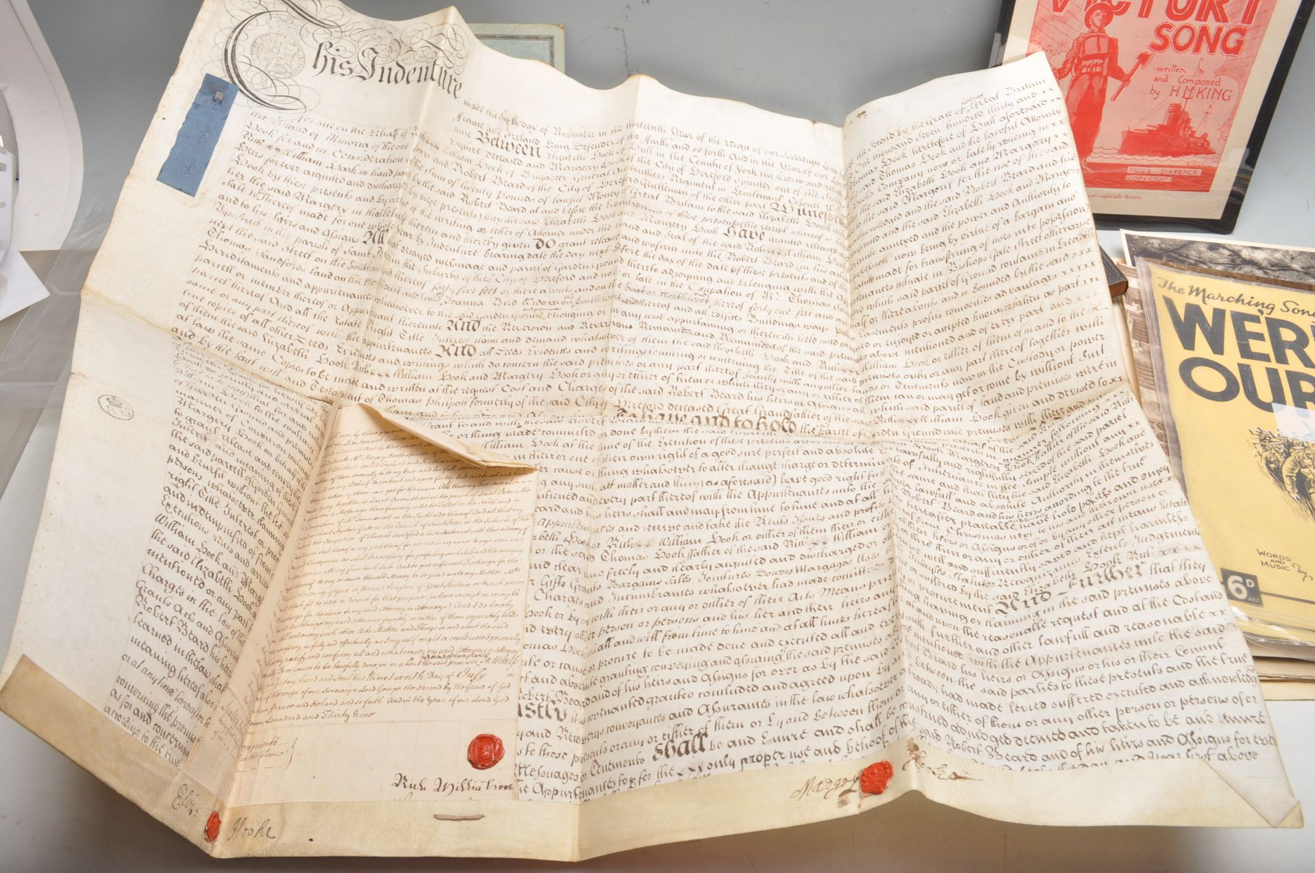LARGE COLLECTION OF ASSORTED EPHEMERA - DOCUMENTS, PHOTOS ETC - Bild 26 aus 26