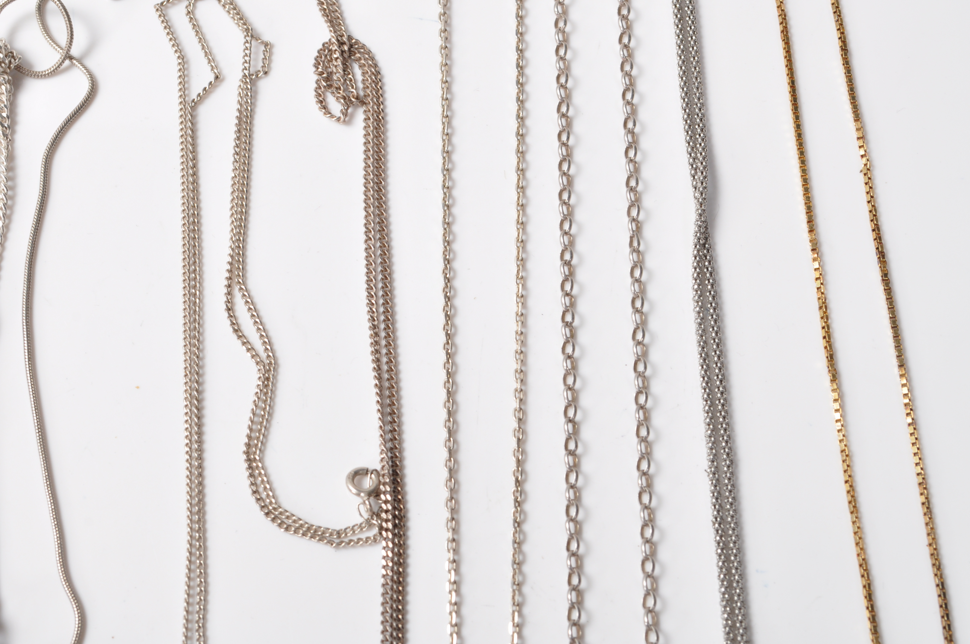 COLLECTION OF STAMPED 925 SILVER NECKLACES AND PENDANTS. - Image 5 of 12