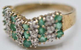 9CT GOLD GREEN AND WHITE STONE RING