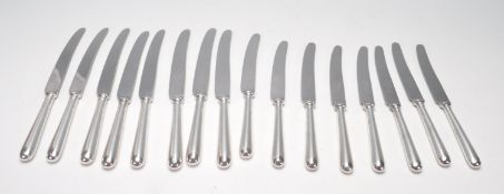 COLLECTION OF SIXTEEN MAPPIN & WEBB TRUSTWORTHY STAINLESS STEEL KNIVES