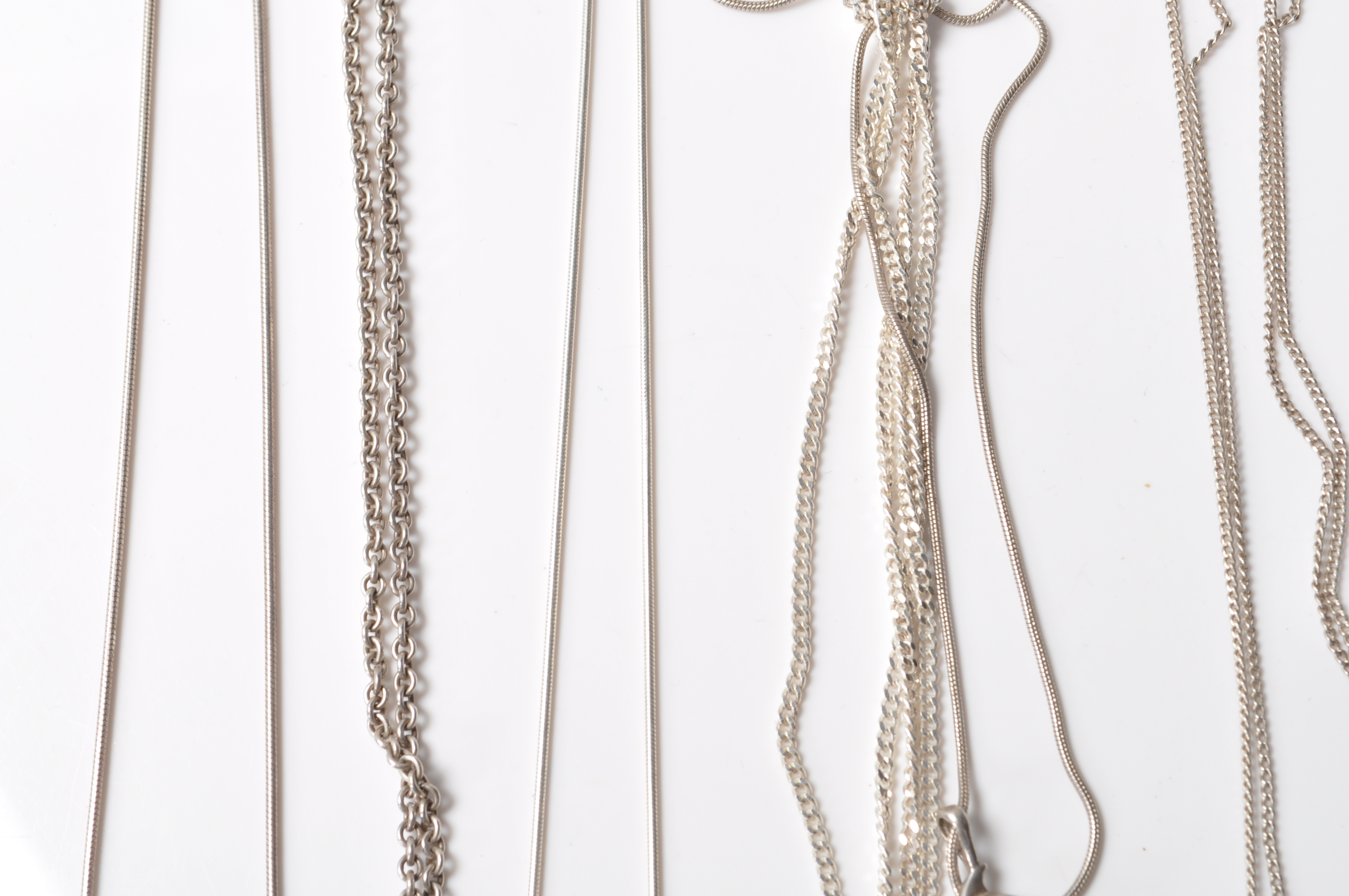 COLLECTION OF STAMPED 925 SILVER NECKLACES AND PENDANTS. - Image 6 of 12