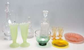 COLLECTION OF VINTAGE 20TH CENTURY GLASS
