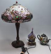 THREE VINTAGE RETRO 20TH CENTURY TIFFANY STYLE DECK / TABLE LAMPS