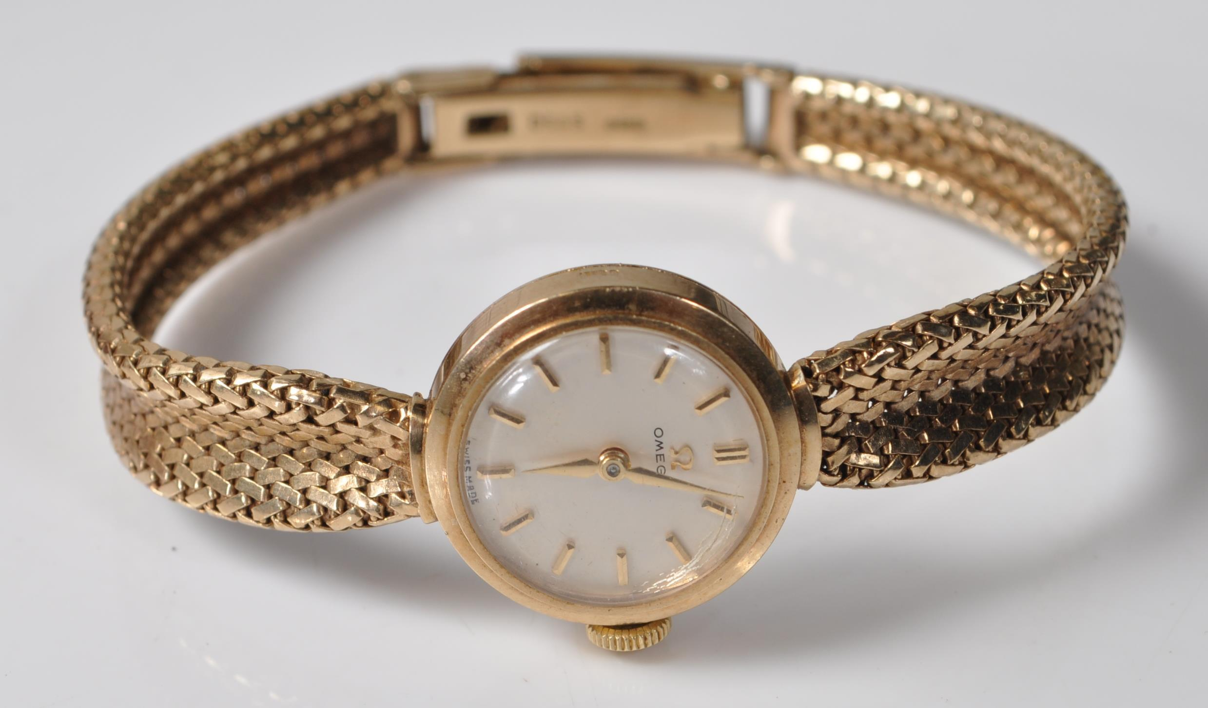 9CT GOLD OMEGA LADIES WATCH - Image 2 of 15