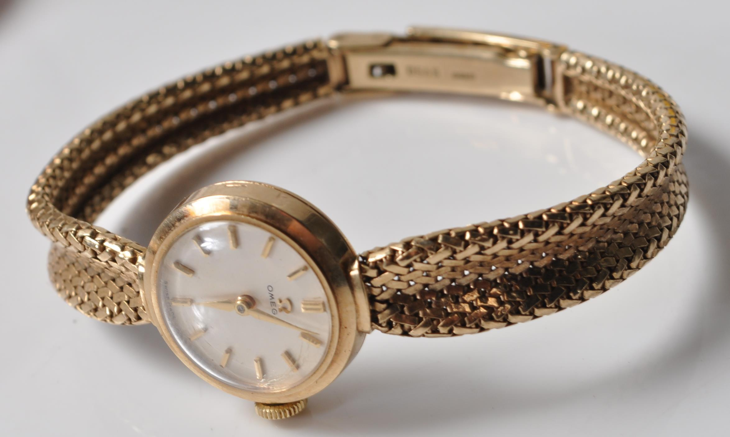 9CT GOLD OMEGA LADIES WATCH - Image 3 of 15
