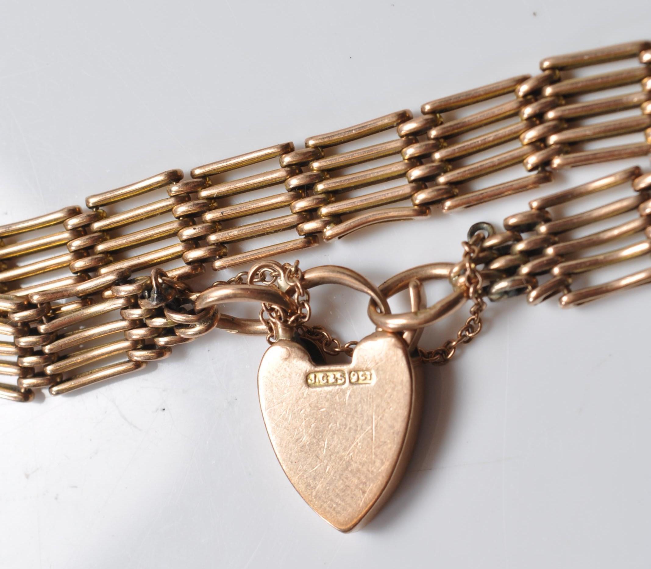 9CT GOLD GATELINK BRACELET - Image 2 of 5