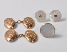 PAIR OF GOLD CUFFLINKS AND PAIR OF MOTHER OF PEARL COLLAR STUDS