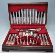 VINTAGE GEE & HOLMES SILVER PLATED CUTLERY CANTEEN