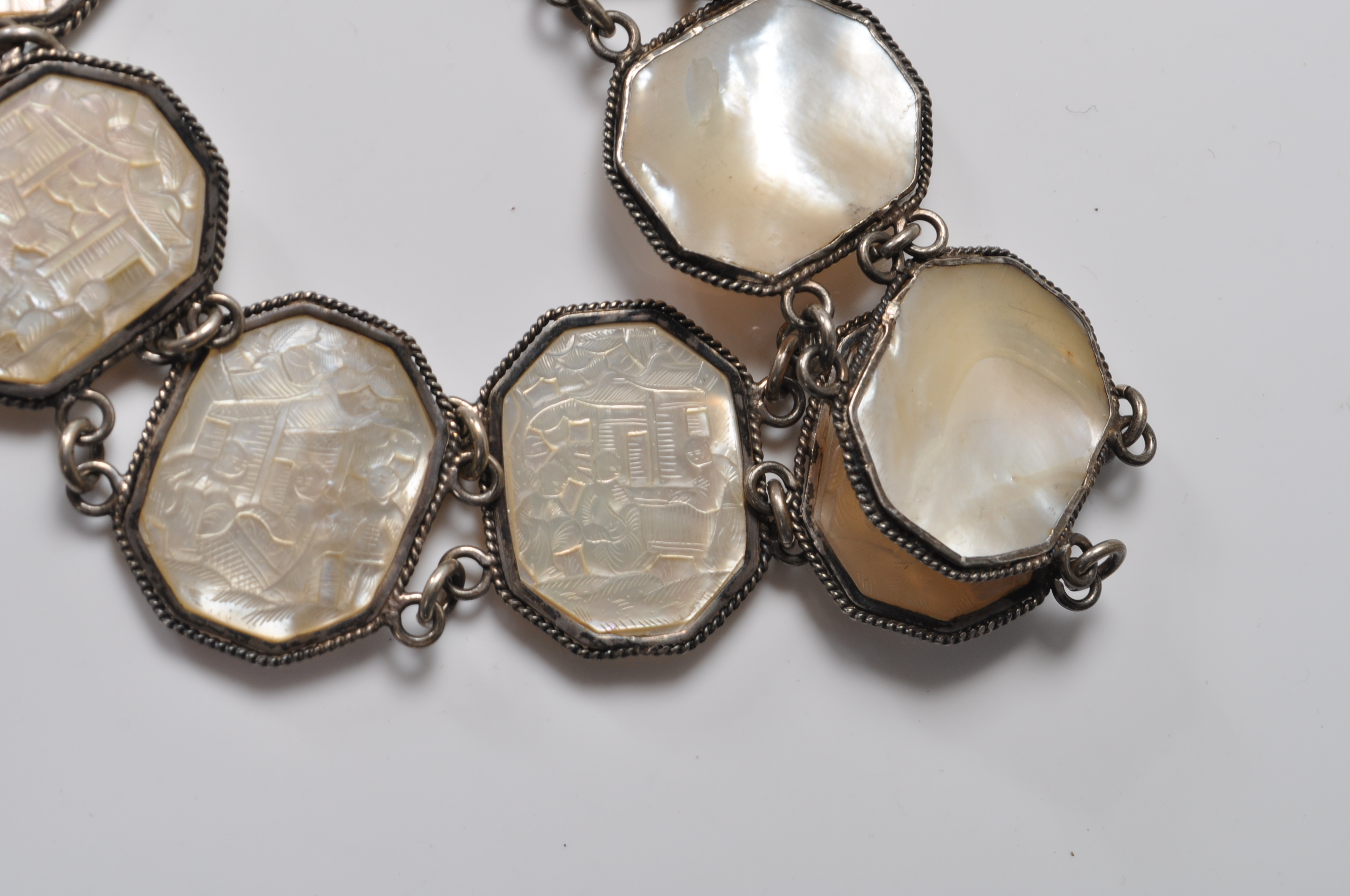 ANTIQUE CHINESE SILVER AND MOTHER OF PEARL BELT - Image 5 of 7