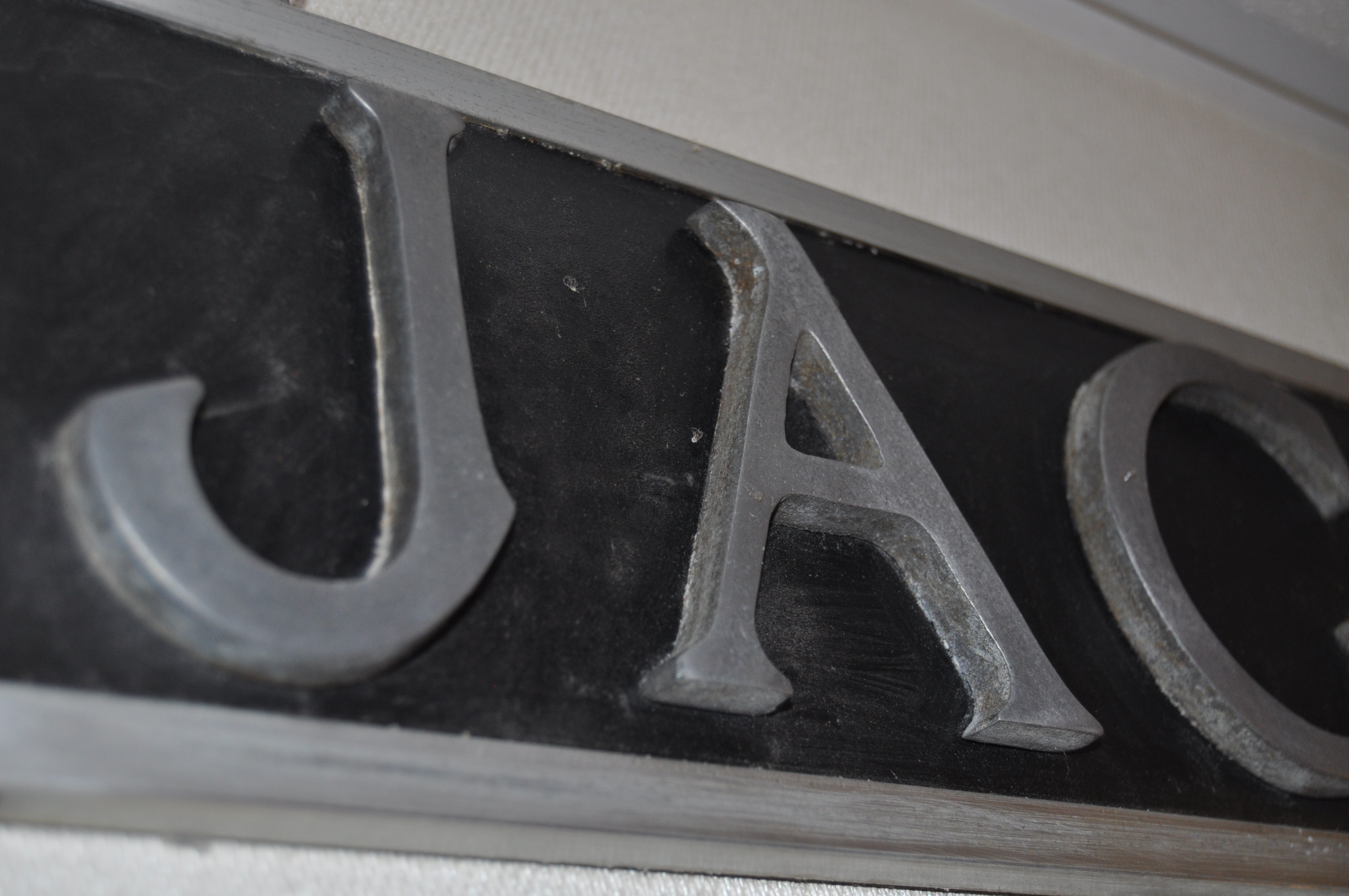 JAGUAR - RARE 1930S DEALERSHIP SHOWROOM ADVERTISING SIGN - Image 2 of 4