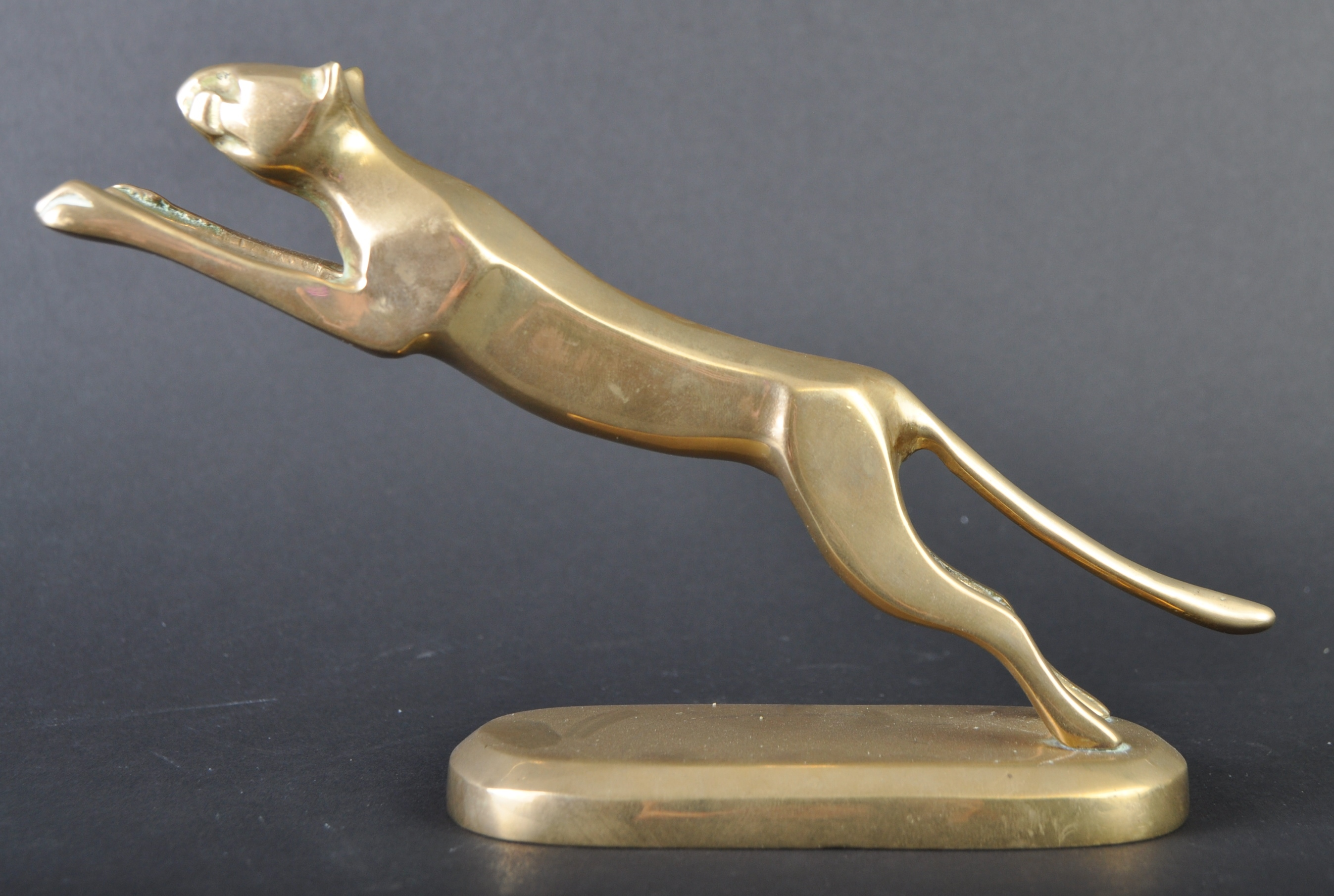 CAR BONNET MASCOT - HIMARK MADE BRASS JAGUAR TYPE LEAPER - Image 3 of 5
