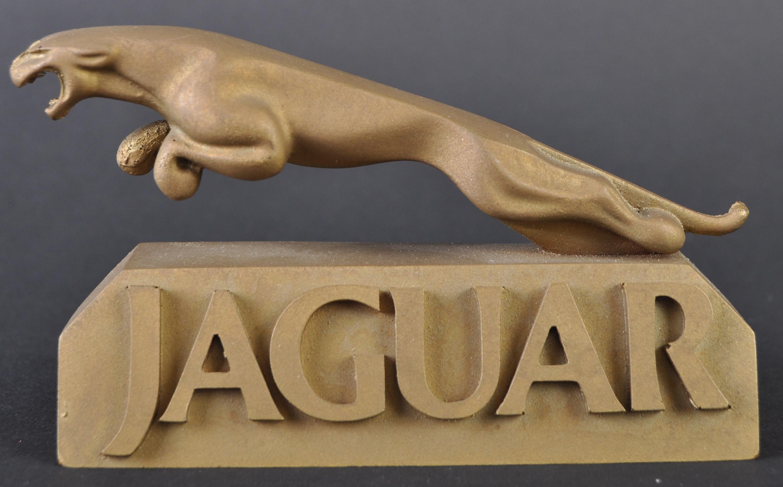 JAGUAR - UNUSUAL SHOWROOM RESIN JAGUAR MASCOT DISPLAY - Image 3 of 5