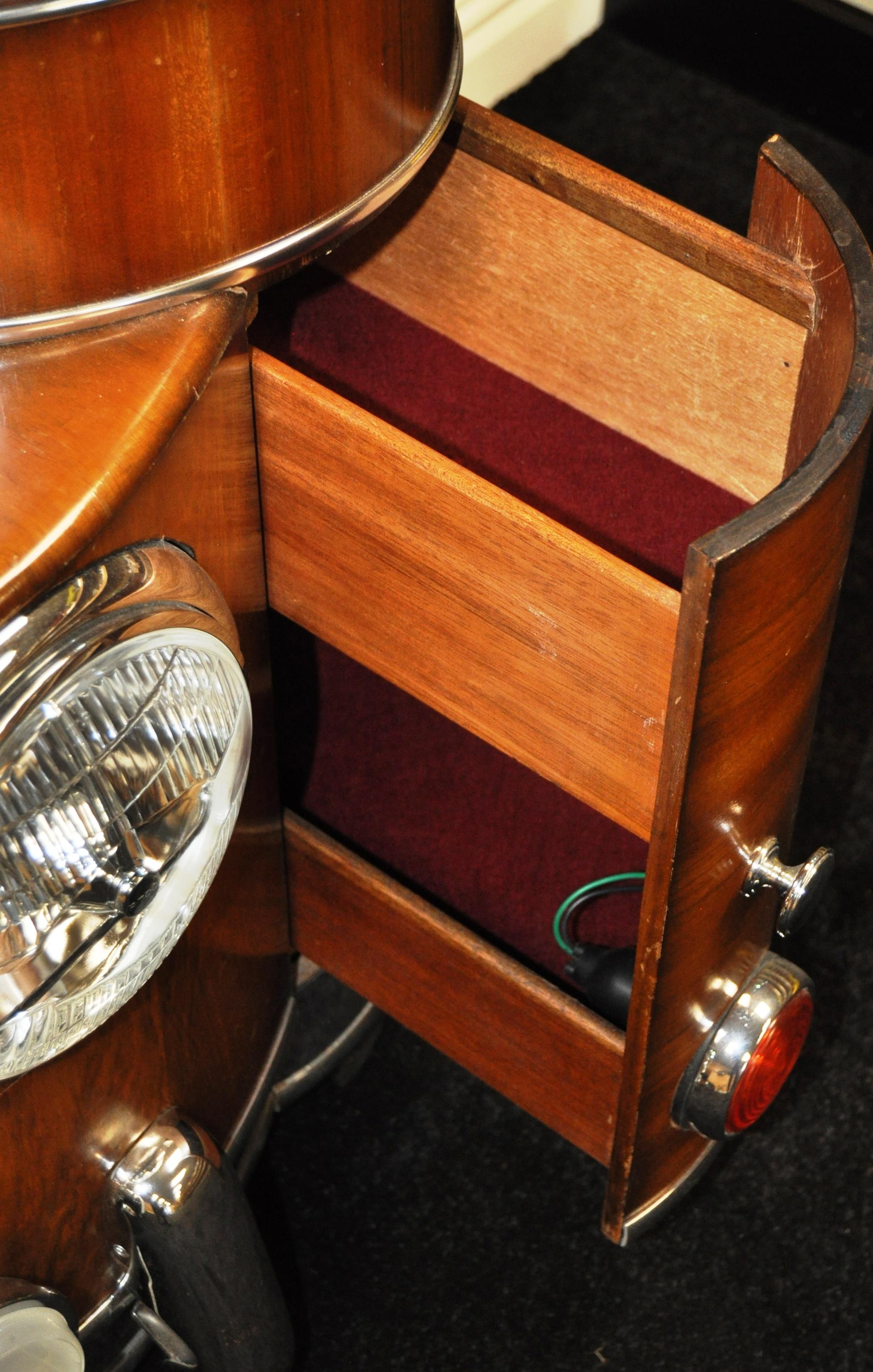 JAGUAR - INCREDIBLE 1940S SIDEBOARD STYLE OF JAGUAR MK 2 - Image 7 of 8
