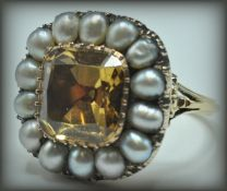 18CT GOLD TOPAZ AND PEARL CLUSTER RING
