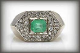RETRO EMERALD AND DIAMOND PAVE SET RING
