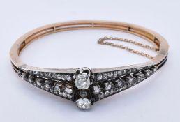 ANTIQUE 18CT GOLD & DIAMOND BANGLE