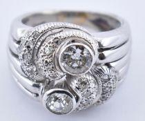 18CT GOLD & DIAMOND RETRO CLUSTER RING