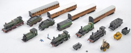 COLLECTION OF VINTAGE 00 GAUGE KIT BUILT LOCOS AND CARRIAGES