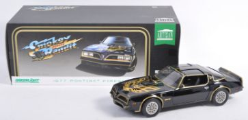GREENLIGHT COLLECTIBLES 1/8 SCALE SMOKEY & THE BANDIT DIECAST