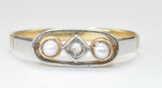 18CT GOLD AND PLATINUM HALF PEARL WHITE STONE RING