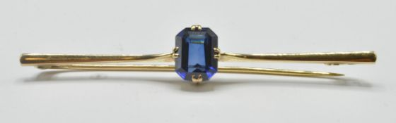 9CT GOLD AND SAPPHIRE BAR BROOCH CLIP
